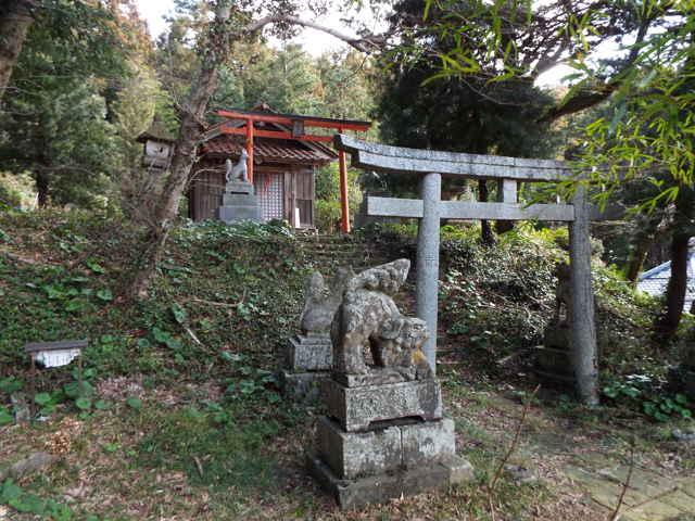 東泉寺の稲荷神社