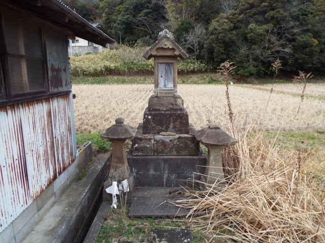 岡本の小祠