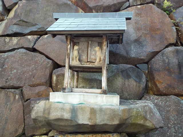 青木寺の稲荷社