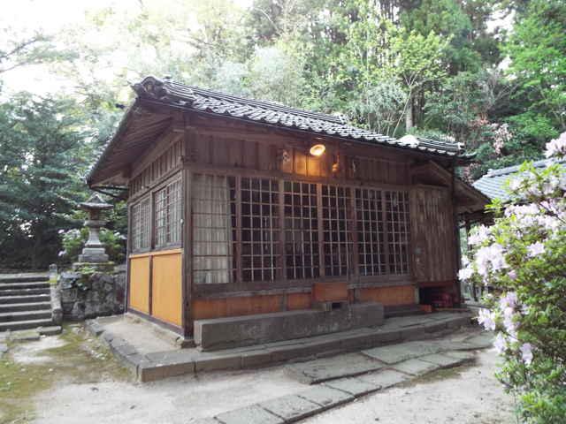 屋風呂神社