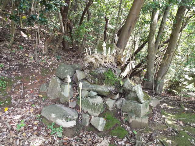 坂口神社跡の荒神