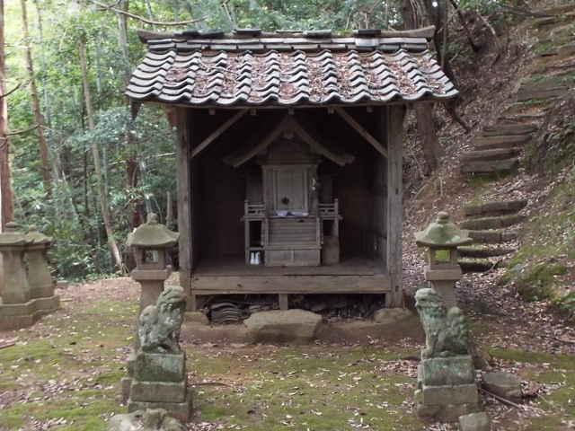 布志名の神社
