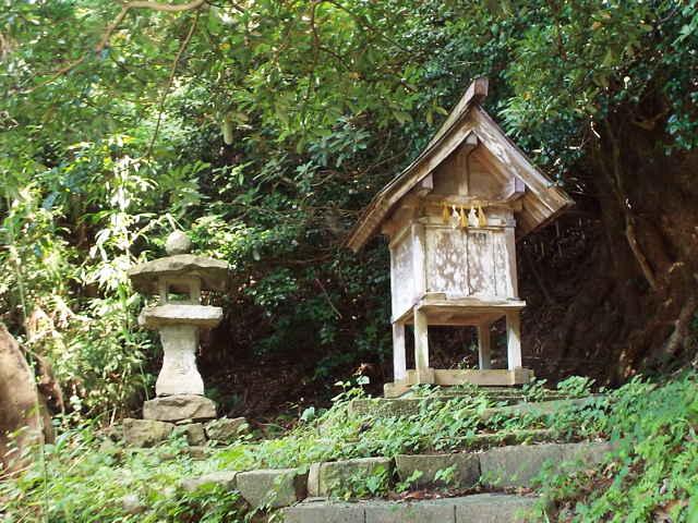 笹子の小祠